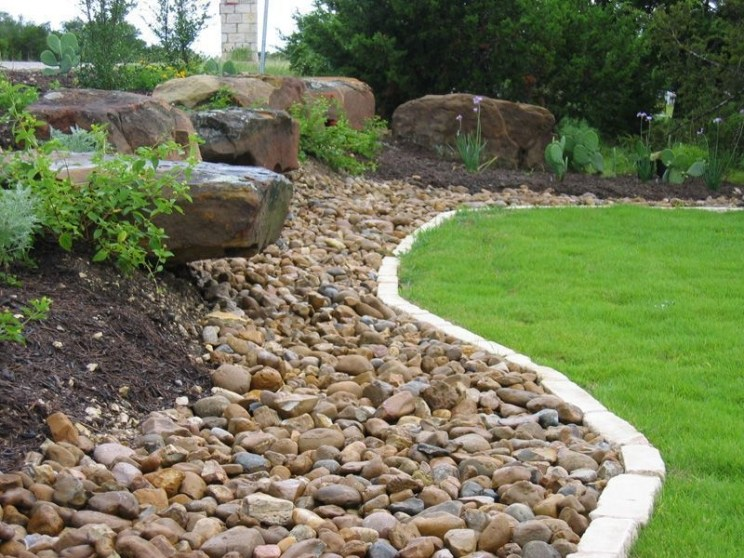 River Rock Landscape And Lavender Bush For Your Outdoor 04