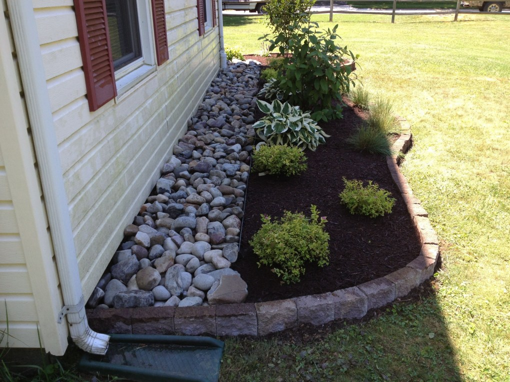 River Rock Landscape And Lavender Bush For Your Outdoor 24