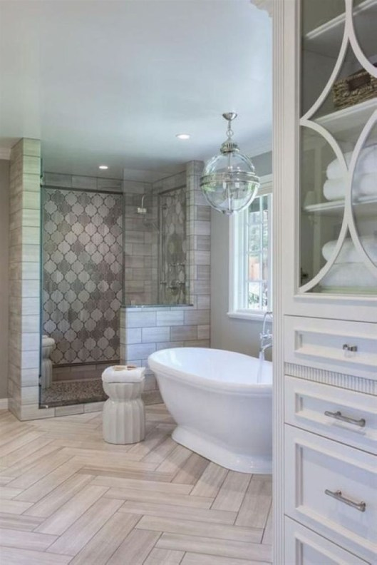 Small Bathroom Makeovers That Give Us Hope 24