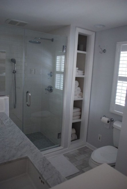 Small Bathroom Makeovers That Give Us Hope 30