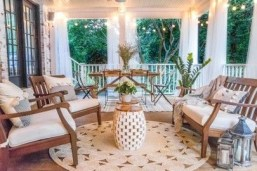 Ways To Create A Relaxing Porch For Big Family 03