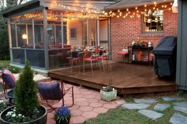 Ways To Create A Relaxing Porch For Big Family 11
