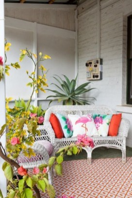 Ways To Create A Relaxing Porch For Big Family 21