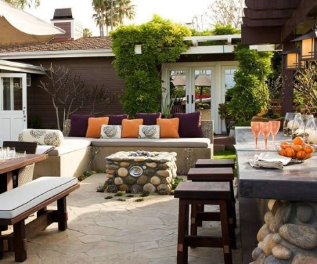 Ways To Create A Relaxing Porch For Big Family 25