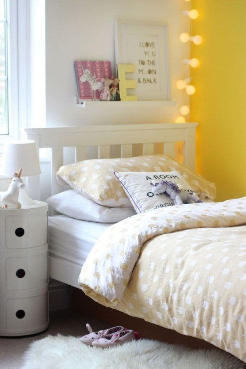 Yellow Bedroom For Your Child's Room Idea To Sleep Feels Warm 37