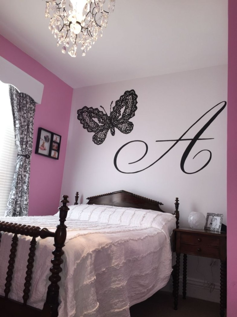 Check And Try Wall Decor In Your Daughter Bedroom 49