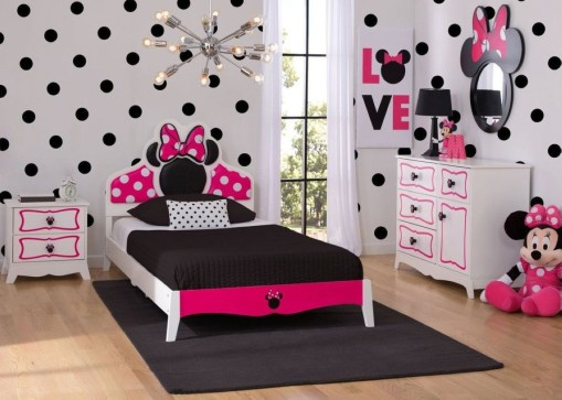 Check And Try Wall Decor In Your Daughter Bedroom 50