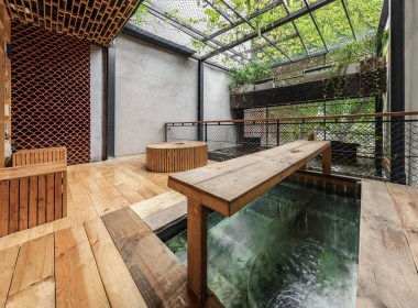 Amazing Indoor Fish Pond To Upgrade Your House 19