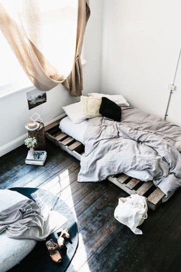 DIY Pallet For Bed Place For Your Idea 14