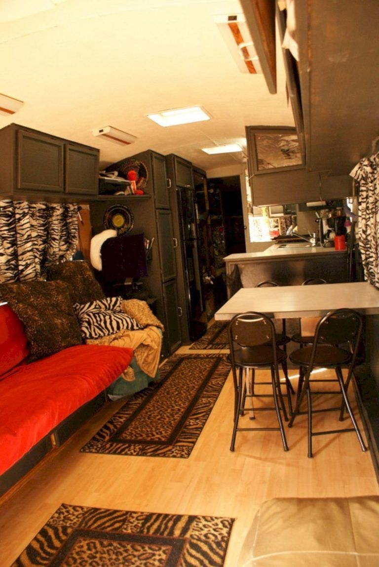 Easy Remodeling RV Decoration You Can Try 39