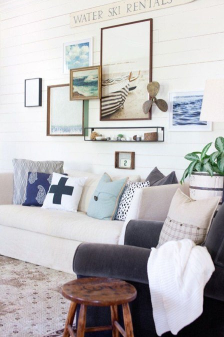 How To Create Wall Gallery In Above The Sofa 14