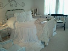 Ways To Create Cozy And Beautiful Teen Farmhouse Bedroom 02