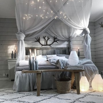 Ways To Create Cozy And Beautiful Teen Farmhouse Bedroom 17