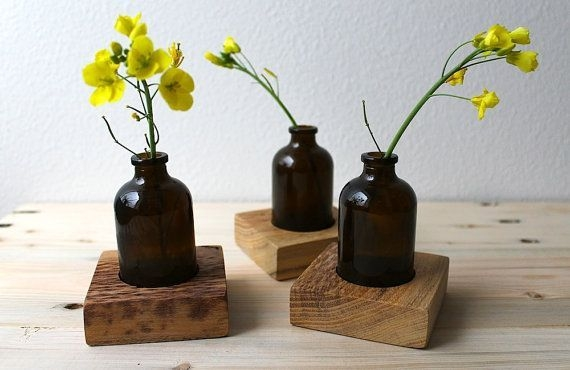 Amazing Inspiration With Bottle Christmas Vases You Can Try 05