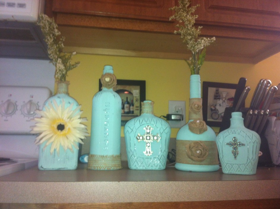Amazing Inspiration With Bottle Christmas Vases You Can Try 39