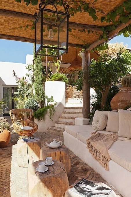 Beautiful Tropical Outdoor Decoration For Cozy Place 38