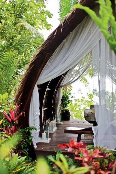 Beautiful Tropical Outdoor Decoration For Cozy Place 47