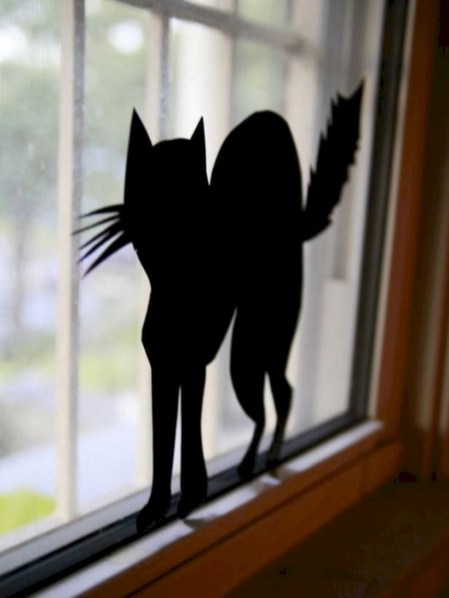 Best Ghost Silhouette DecorIideas To Haunt Your Guests 26