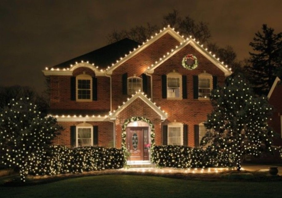 Classic Christmas Decoration You Must Try For Your Family 03