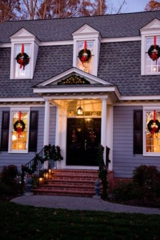 Classic Christmas Decoration You Must Try For Your Family 06