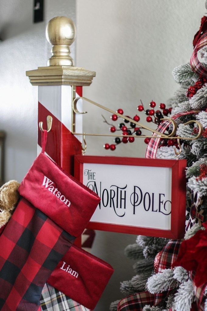 Classic Christmas Decoration You Must Try For Your Family 08