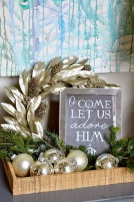Classic Christmas Decoration You Must Try For Your Family 10