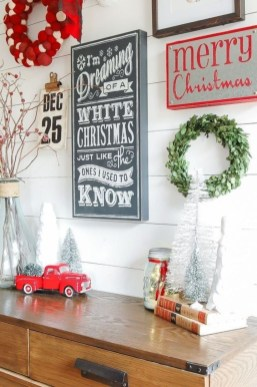 Classic Christmas Decoration You Must Try For Your Family 16