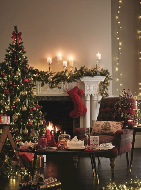 Classic Christmas Decoration You Must Try For Your Family 20