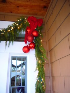 Classic Christmas Decoration You Must Try For Your Family 21
