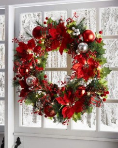 Classic Christmas Decoration You Must Try For Your Family 30