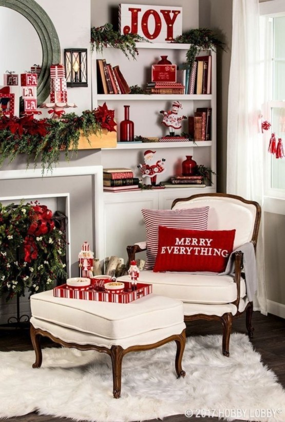 Classic Christmas Decoration You Must Try For Your Family 32