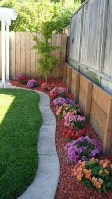 DIY Wood Project For Landscaping Backyard Ideas 29
