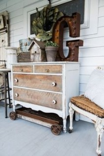 Front Porch Decorating Ideas Try For Your Design 31