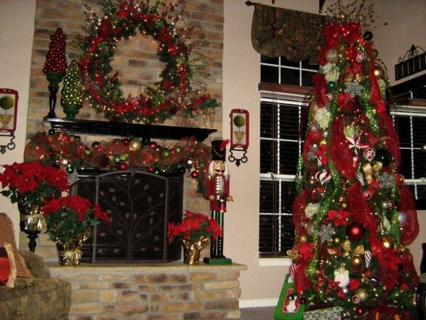 Gorgeous Christmas Mantel For Fireplace Decorate In Your House 12