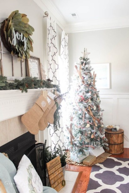 Gorgeous Christmas Mantel For Fireplace Decorate In Your House 17