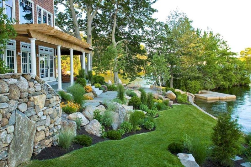 Lovely Landscaping Plans For Your Own Yard 29
