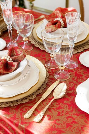 Luxury Christmas Table Decoration For Celebrating Christmas This Year 06