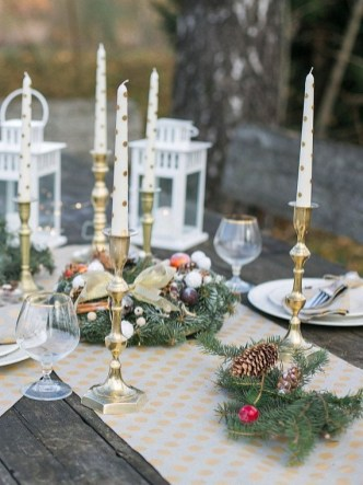 Luxury Christmas Table Decoration For Celebrating Christmas This Year 19