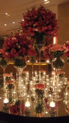 Luxury Christmas Table Decoration For Celebrating Christmas This Year 24