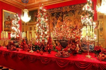 Luxury Christmas Table Decoration For Celebrating Christmas This Year 30