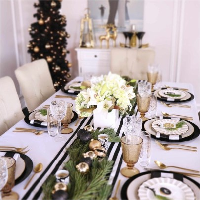 Luxury Christmas Table Decoration For Celebrating Christmas This Year 38