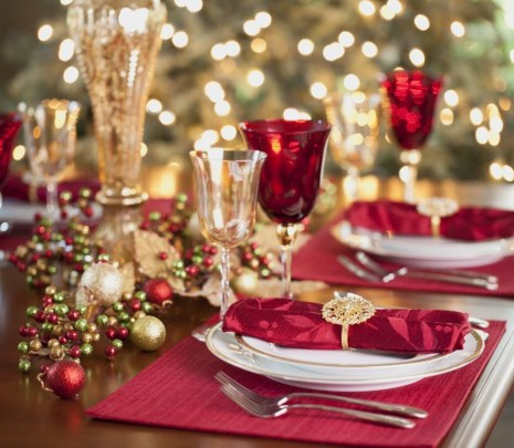 Luxury Christmas Table Decoration For Celebrating Christmas This Year 40