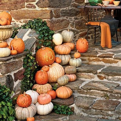 Perfect Pumpkin Ideas To Decorate Your Porch 02