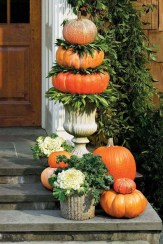 Perfect Pumpkin Ideas To Decorate Your Porch 07