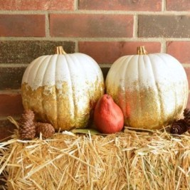 Perfect Pumpkin Ideas To Decorate Your Porch 28