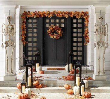 Perfect Pumpkin Ideas To Decorate Your Porch 37