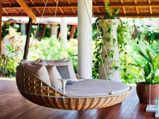 Relaxing Suspended Outdoor Beds That Will Transform Your Year 05
