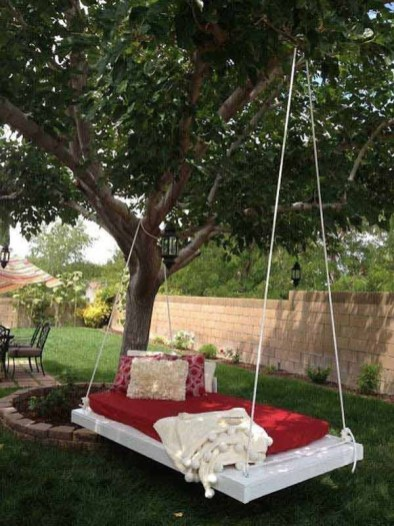 Relaxing Suspended Outdoor Beds That Will Transform Your Year 06