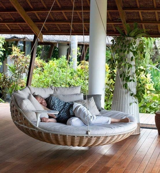 Relaxing Suspended Outdoor Beds That Will Transform Your Year 26