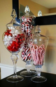 Tips To Make DIY Christmas Table Decorations 18